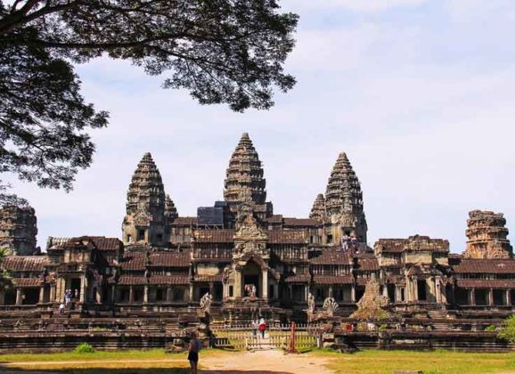 Backpacking Travel Guide to Cambodia