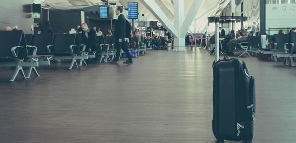 Travel Hacks: Tips for Packing While Using a Lightweight Luggage